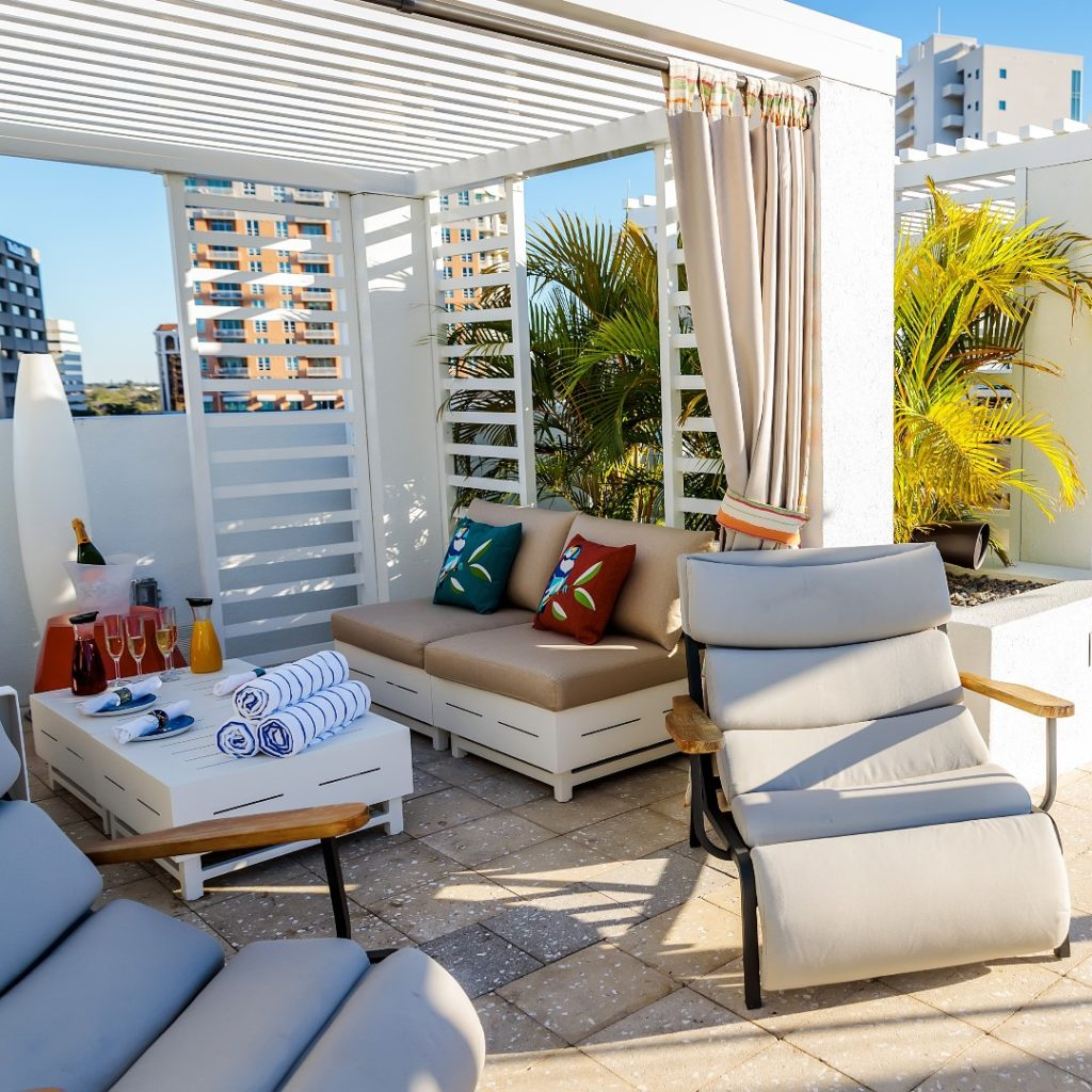 ResortPass day passes to Tampa Bay Hotels - Art Ovation Hotel cabana